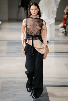 Ann Demeulemeester Autumn/Winter 2017 Ready to Wear Collection | British Vogue