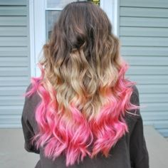 This looks like something Haven would do with her hair.  So cool.