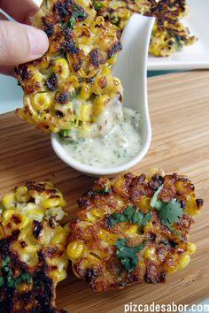 Deliciosas croquetas de elote dulce con mayonesa casera de jalapeño. Fáciles y deliciosas, perfecta para los días de verano o de calor.