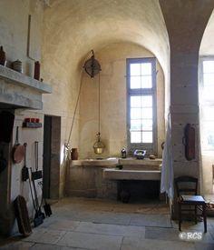 「中世 家具」の画像検索結果 Medieval Gothic, Renaissance, Old Kitchen, Kitchen Dining, Country Kitchens, Stone Flooring, Four, Natural Materials, Castles