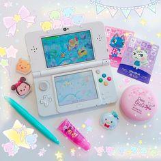 Source by cassyhoneybee Kawaii Cute, Kawaii Anime, Kawaii Stuff, Kawaii Games, Pc Console, Nintendo Switch Accessories, Otaku Room, Gaming Room Setup, Geek Games