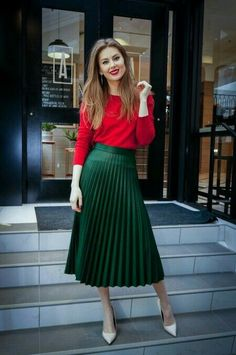 Valentine's day outfit, red sweater, pleated emerald skirt, midi skirt, green mi… – Valentines Day Gift Ideas Green Skirt Outfits, Green Pleated Skirt, Pleated Skirt Outfit, Winter Skirt Outfit, Midi Skirts, Red Blouse Outfit, Green Top Outfit, Mode Outfits, Maxi Skirts