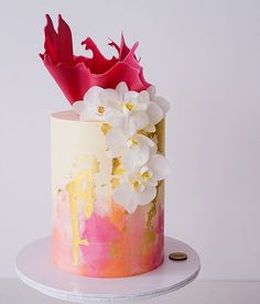 modern single tier wedding cake by Don't Tell Charles Beautiful Wedding Cakes, Beautiful Cakes, Amazing Cakes, Cake Pops, Watercolor Cake, Modern Cakes, Cake Trends, Colorful Cakes, Cake Pictures