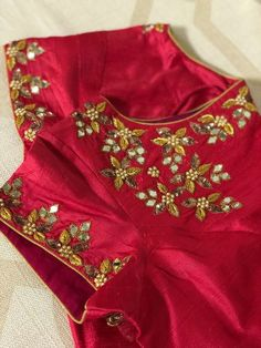 Order no 7337596931 Kids Blouse Designs, Simple Blouse Designs, Stylish Blouse Design, Kerala Saree Blouse Designs, Saree Blouse Neck Designs, Mirror Work Blouse Design, Maggam Work Designs, Designer Blouse Patterns, Maggam Works