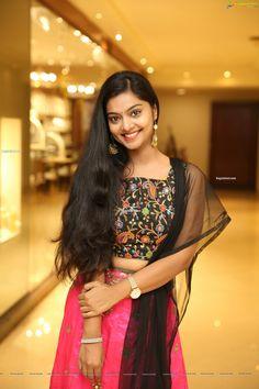Telugu Actress Sasikala Dharmavarapu @ The Haat Life Style Expo, Taj Krishna - HD Gallery. Beautiful Girl Photo, Beautiful Girl Indian, Most Beautiful Indian Actress, Beautiful Lips, Beautiful Saree, Beautiful Women, Star Beauty, Beauty Full Girl, Beauty Girls