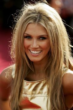 golden blonde.., exactly how I want my bangs! @Mika Rogerson I need this hair cut! Loving it!!