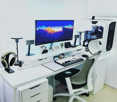 Fantastic and Cool Gaming Desk Setup. Gaming desk setup material selection is mandatory that you should consider as it relates to the strength of the table and the durability of accommodat. Setup Desk, Computer Desk Setup, Gaming Room Setup, Pc Desk, Home Office Setup, Home Office Design, Home Office Furniture, Gaming Rooms, Work Desk