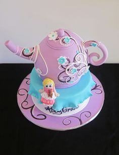 teapot cake...I think the detailing is really cool