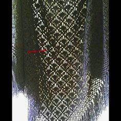 faideli_seyler Huzurlu keyifli aksamlar .. #tbt#elemeği#şal#orgu#handmade#handmadecrochet #crochetersofinstagram#scarf #shawl #wrap#knittinglove #knitstagram #yarn#instaknitting #knittingaddict #haken#ilovecrochet #ganchillo #blackshawl #uncinetto #qrannysquare #blanket #gehaakt#hakeniscool#pretty #hekle#knitting_inspiration