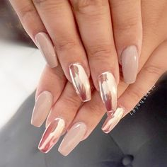 34 Amazing Trends for Chrome Nails That Fit All - Nageldesign & Nailart - Nagellack Rose Gold Metallic Nails, Gold Nails, Oval Nails, Sns Nails, Pink Chrome Nails, Acrylic Nails, Nail Pink, Coffin Acrylics, Ombre Nail