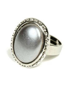 I love this ring!!!  Gray Pearl Montauk Ring by Amrita Singh on #zulily