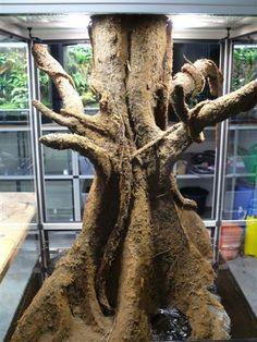 Elastopur - very natural looking fake trunk