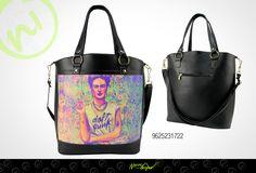 Adquiere este original y moderno bolso AQUÍ http://www.distribuidoranuevaimagen.com/catalogo/tienda-en-linea/bolsos-platino/ciara-frida-punk-negro-detail :)