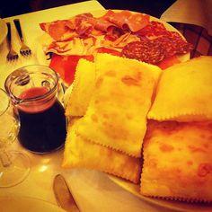 Gnocco fritto e salumi - Instagram by giulialagiulietta