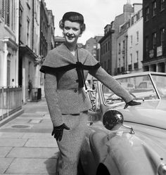 1954, tailored skirt suit with short cape <3