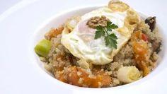 Receta de Quinoa con verduras y huevo frito Huevos Fritos, Polenta, Couscous, Mashed Potatoes, Cooker, Veggies, Beef, Healthy Recipes, Ethnic Recipes