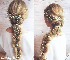 Dzien doobry  przed Wami Asia i jej warkocz nr 2   #warkocz #blondynka #dlugiewlosy #blogowlosach #fryzury #krokpokroku #kwiatywewlosach #fryzuraslubna #gipsowka #weddinghair #braid #boho #hairstyle #hairfashion #lovehair #hairart #hairstylist #ilovemyjob