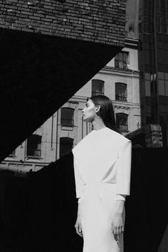 Graphic Minimalism - structured white dress; minimalist fashion editorial // Ph. Anna Lukyanova