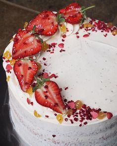 Birthdays mean cake in the office! Strawberry & Lemon Cake #birthdaycake #stawberry #lemon #gbbo #greatbritishbakeoff #signaturechallenge #cake #baking #bakeoff