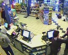 Rapina nella notte al distributore di benzina, video dell' arresto in flagranza dei carabinieri<span class='video_title_tag'> -Video</span>