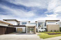 residencia FM #garnierarquitectos #architecture #arquitectura #interiordesign #tropical #costarica #design #costarica photography @andresgarciaphotography @esnymartindesign