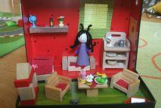 Kifli és levendula: A Bogyó és Babóca projekt Small World Play, Child Doll, Barbie, Dolls, Felt Boards, Holiday Decor, Home Decor, Projects, Baby Dolls