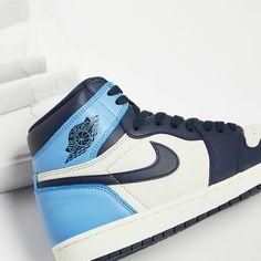 Sneakers Nike Jordan, Jordan Basketball Shoes, Jordan Shoes Girls, Nike Air Shoes, Girls Shoes, Jordan Outfits, Aesthetic Shoes, Cute Sneakers, Girl Clothing