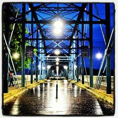Walnut Street Bridge