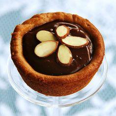 Chocolate Peanut Butter Cookie Tarts #vegan
