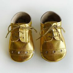 Items similar to Baby Girl or Boy Shoes Gold leather Soft Sole Shoes Oxford Wingtips Wing tips on Etsy Gold Baby Shoes, Boy Shoes, Crib Shoes, Baby Girl Shoes, Girls Shoes, Baby Boy Fashion, Kids Fashion, Bling Bling, Shoe Gallery