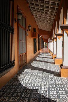 Pueblo de Veracruz, bañado de sol.