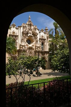 San Diego, California Beautiful Balboa Park Have a pic nic by the organ. Then explore.
