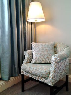 Gold bedroom (Part Dublin Hotels, Shuttle Bus Service, Dublin City, Gold Bedroom, Comfortable Sofa, Best Western, Accent Chairs, Rooms, Luxury
