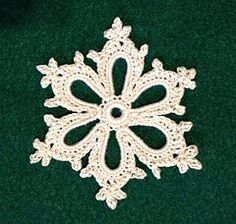 Ravelry: Irish Crochet Snowflake pattern by Courtney Brock~Free Pattern – Snowflakes World Crochet Snowflake Pattern, Irish Crochet Patterns, Crochet Stars, Crochet Motifs, Crochet Snowflakes, Freeform Crochet, Thread Crochet, Crochet Crafts, Crochet Flowers