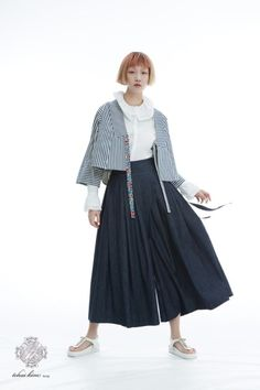 Korean Fashion – How to Dress up Korean Style – Designer Fashion Tips Korea Fashion, Japan Fashion, Girl Fashion, Fashion Outfits, Womens Fashion, Fashion Design, Korean Traditional Clothes, Traditional Dresses, Modern Hanbok