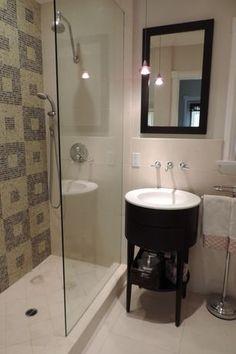 Contemporary 3/4 Bathroom with limestone tile floors, High ceiling, Daltile P'Zazz White Ritz Porcelain Tile, Console Sink
