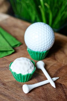 I'm not a golfer but these are SO cute! Golf Cake Balls
