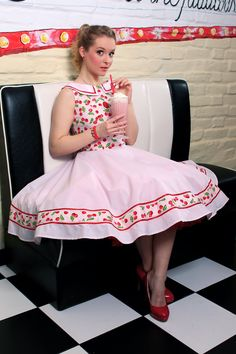 Carie Cherry Dress: vintage style / pin-up / rockabilly knee-high dress by TiCCi Rockabilly Clothing Rockabilly Outfits, Rockabilly Fashion, Pin Up Outfits, Cute Outfits, Casual Outfits, Flamingo Dress, Cherry Dress, Pinup Girl Clothing, Stylish Dresses