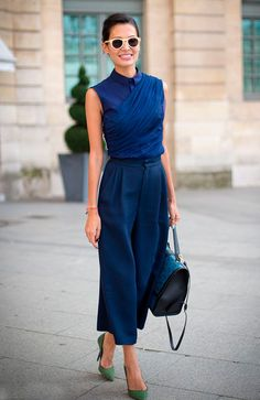 Ideas How To Wear Culottes Summer Street Style Outfit For 2019 Street Style Outfits, Looks Street Style, Mode Outfits, Work Fashion, Fashion Looks, Fashion Fashion, Paris Fashion, Blue Fashion, Fashion Outfits