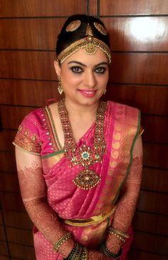 Lovely South Indian Bridal Pink Kanchipuram Silk Saree #SouthIndian #BridalSaree #KanchipuramSilkSaree