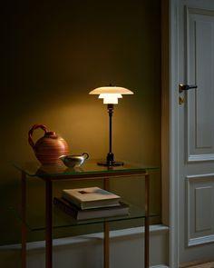 Scandinavian Lighting, Scandinavian Interior Design, Beautiful Interior Design, Ph Lamp, Modern Furniture, Furniture Design, Contemporary Dining Chairs, Modern Table, Design Bestseller