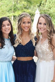 See more of livmassucci's content on VSCO. School Dresses, Hoco Dresses, Gala Dresses, Dance Dresses, Pretty Dresses, Homecoming Dresses, Prom Pictures Couples, Prom Couples, Prom Photos