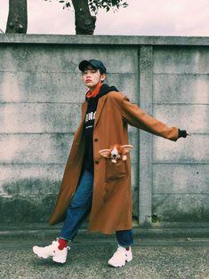 てくてくてくてく。。 このコート、軽くて動きやすいから大好きなのだ♥️ ウールだから寒い日でもあった