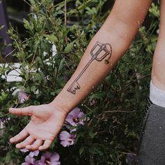 tattoo kingdom hearts & tattoo king - tattoo king and queen - tattoo king queen - tattoo king crown - tattoo king men - tattoo king lion - tattoo king kong - tattoo kingdom hearts Sword Tattoo, K Tattoo, Lion Tattoo, Piercing Tattoo, Piercings, Kingdom Hearts Tattoo, King Crown Tattoo, King Queen Tattoo, Keyblade Tattoo