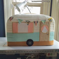 Vintage Caravan Sewing Machine Cover free Tutorial