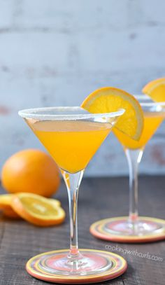 A refreshing Orange Drop Martini is the perfect cocktail after work or with your weekend brunch. Martini Recipes, Alcohol Drink Recipes, Cocktail Recipes, Party Drinks, Cocktail Drinks, Fun Drinks, Lemonade Cocktail, Cocktail Ideas, Craft Cocktails