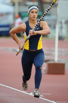 Athlete: Allison Stokke School: University of California, Berkeley Team: CAL Bears Sport: Track & Field - Pole Vault Competition: Clyde Littlefield Texas Relays Opponent: Various Result: Vertical Jump Workout, Beautiful Athletes, Fitness Photoshoot, Sporty Girls, Action Poses, Fit Chicks, Track And Field, India Beauty, Athletic Wear
