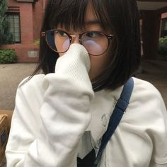 Asian Beauty, Ulzzang, Asian Girl, Sunglasses Women, Short Hair Styles, Beautiful Women, Cute, Pictures, Random Things