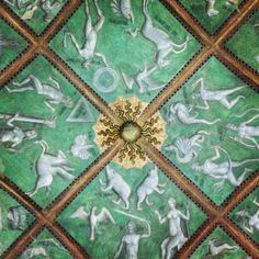 Arte Longobarda - soffitto dipinto ispirato al Decameron di Boccaccio