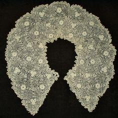Lovely vintage Irish Crochet lace collar.